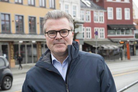 Jan Petter Eilertsen mener byrådet bør gå «all-in» når de først skal stenge Bryggen og Torget for trafikk.