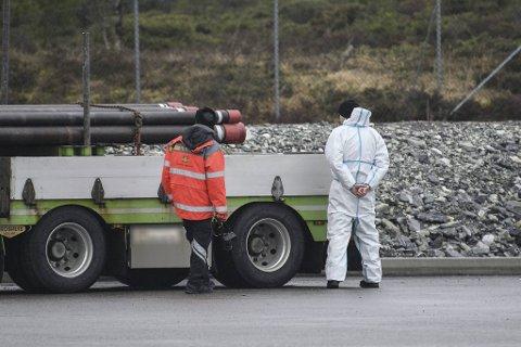 Lørdag formiddag ble det gjennomført undersøkelser av vogntoget.