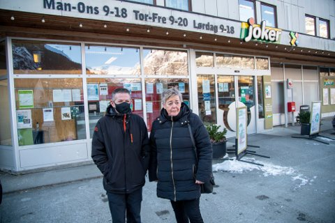 Luan  og Inger Marie Pllunxi er skeptiske til at det kommer folk fra Ulvik for å bli testet i Eidfjord.