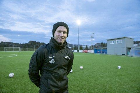 Tommy Knarvik har overtatt Øygarden, og skal prøve å ta strilene opp igjen i 1. divisjon etter nedrykket i fjor. FOTO: MAGNE TURØY