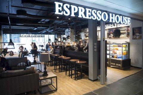 Kort tid etter innbruddet ble en mann (24) pågrepet på kaffebaren Espresso House på Bergen storsenter.