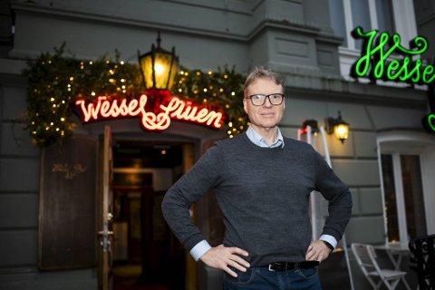 – Vi har hatt to nye smittebølger i år, som er ødeleggende. Det er enorme kostnader forbundet med å holde staben i ti dager uten inntekter, sier administrerende direktør Kjetil Smørås.