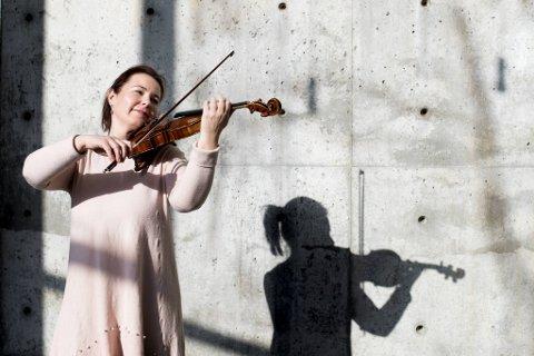 Melina Mandozzi er lederen for musikerne i Bergen Filharmoniske Orkester. Hun spiller på en fiolin fra 1742, en italiensk Guadagnini. Den har hun hatt siden hun var 16 år.