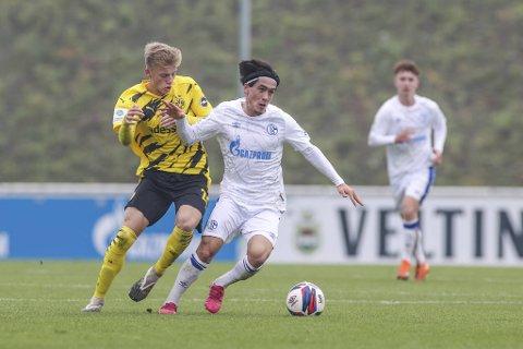 Mikail Maden fikk sin debut for førstelaget til Schalke 04 lørdag ettermiddag.