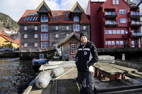 Her i Ludeboden i Sandviken har Norges Miljøvernforbund hovedbase. Konstituert leder Ruben Mjelde Oddekalv sier opprydding i økonomien vil få mye høyere prioritet. Det skal være en overkommelig oppgave, i og med at eiendelene overstiger gjelden.