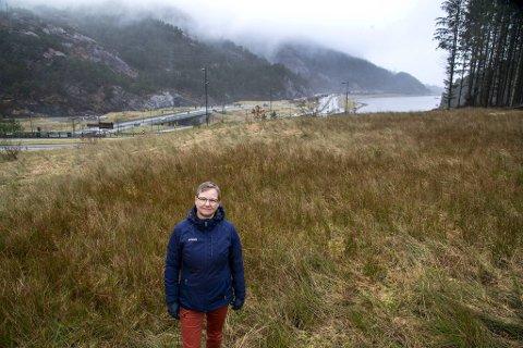 Gravplassjef Inghild Hareide Hansen planlegger har store planer for området like over trafikkmaskinen ved Liavatnet.