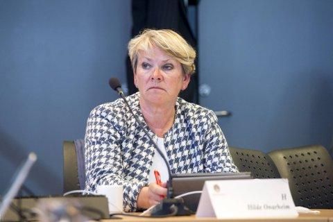 Hilde Onarheim (H) lot seg ikke overbevise av det hun fikk høre fra helsetoppene under mandagens høring.