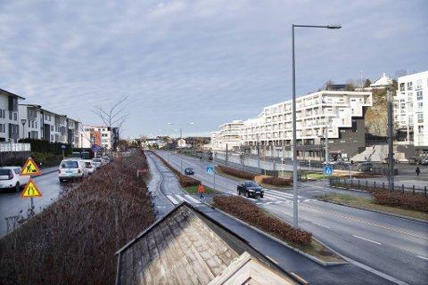 Hendelsen skal ha skjedd i Steinvikvegen i Ytrebygda,  like ved bybanestoppet Råstølen.