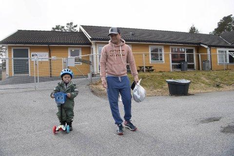 Floren Canete er ikke bekymret for å sende sønnen Josef (2) i barnehagen tross to påviste smittetilfeller der den siste uken.