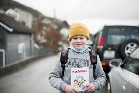 Ola Heldal Bøe (12) kan titulere seg som forfatter nå som han selger eget påskekrimhefte.