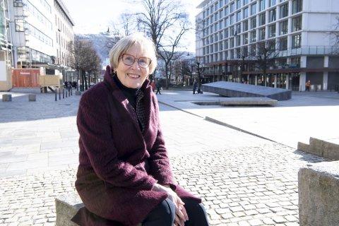 Eva Vognstølen begynte som flyvertinne i SAS på 1960-tallet. Hun opplevde en rekke endringer i luftfarten. – Tidligere fløy SAS over stort sett hele verden med faste destinasjoner i Afrika, Sør-Amerika, Asia og flere andre fjerntliggende steder. Mye har forandret seg siden den gang, sier Eva Vognstølen.