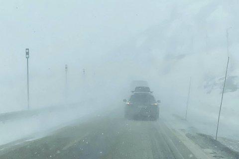 Kraftig snøfokk på Hemsedalsfjellet i dag.