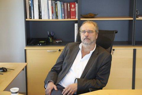 Statsforvalter Lars Sponheim er sykemeldt etter hjerneslag.