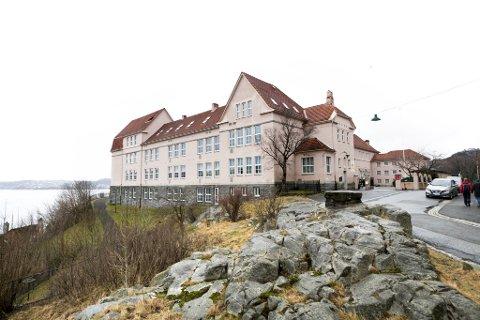 Det er et utbrudd av britisk mutantvirus ved Rothaugen skole.