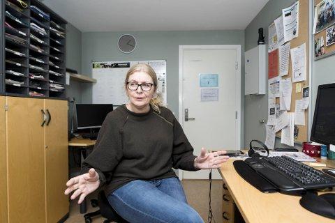 Leder for Håstein Bofellesskap Tone Sandland Aadland er en av dem som svarer når du ringer Hjelpetelefonen Psykisk helse.