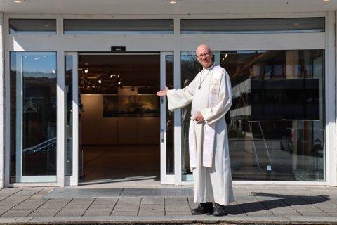 I tiden fremover vil kirkegjengerne i Meland ta plass i Frekhaug senter.