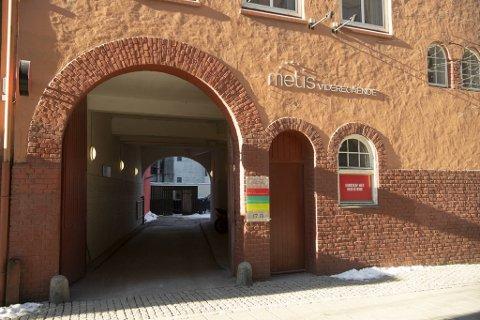 Metis videregående skole i Bergen får ikke Utdanningsdirektoratet med på å gi karakter 1-elever drahjelp etter at eksamen ble avlyst.