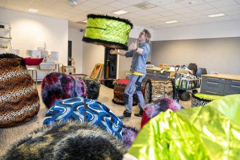Jon Hoem, med hjelp av Johannes Ringheim og Ragnhild Enger, har laget lydinstallasjon til Festspillene.