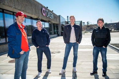 Roy Wassberg (svigersønn av Kniksen. f.v.), Johnny Jakobsen, Espen Risti og  Sondre Jensen (sønn av Kniksen) skal starte opp Kniksen sportsbar på Oasen.
