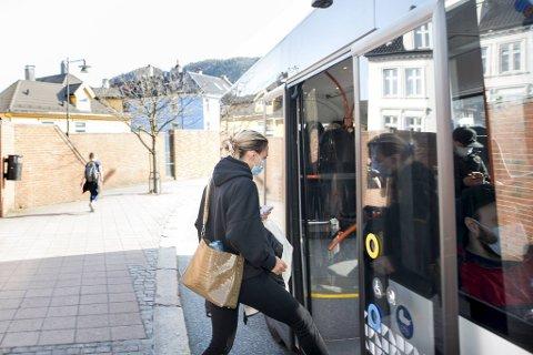 Hannah Silgjerd droppet ikke munnbindet da hun gikk på bussen på Møhlenpris.