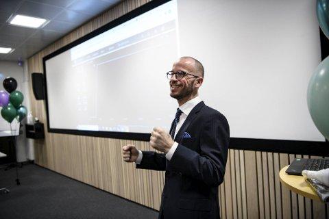 Jan Børge Sagmo i Bergen Carbon Solutions jubler etter at kursen steg klart da børsen åpnet.