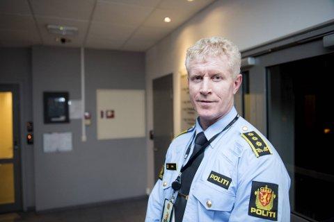 Morten Ørn, driftsenhetsleder i Bergen, Askøy og Øygarden i Vest politidistrikt, sier de kun vi håndheve grove brudd på den lokale smittevernforskriften.