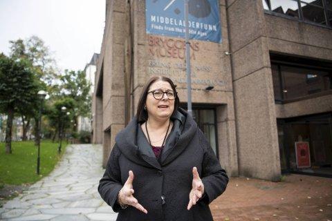 Marianne L. Nielsen, direktør for Bymuseet i Bergen, forteller om den vanskelige økonomiske situasjonen. Nå ber hun også bergenserne om å bruke og støtte opp om museene i egen by.