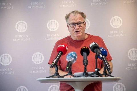 Medisinsk fagansvarlig i Bergen kommune, Trond Egil Hansen, er forsiktig optimist med tanke på nedgangen i antall smittede i kommunen de siste dagene.