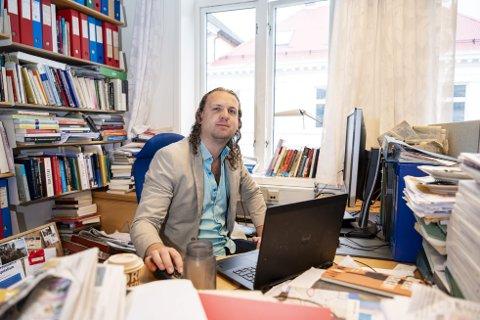AVSLØRER: Isak Lekve har skrevet en bok der han mener å avsløre hemmeligheten om «den norske modellen». Han sier streikeretten er viktig for velstanden vi opplever i dag. FOTO: EMIL Weatherhead BREISTEIN