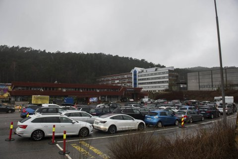 I forrige uke slet Bergen med høyt smittepress på byens unge. Nå ser det ut til at man har klart å få kontroll over smittesituasjonen. Bildet viser teststasjonen på Spelhaugen i Fyllingsdalen.