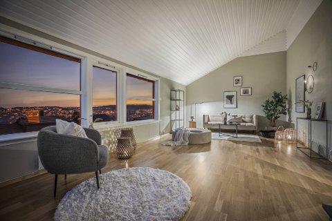 Prisantydningen på dette rekkehuset på Bønes var 5.49 millioner kroner. 78 interessenter kom på visning og boligen ble solgt for 6.37 millioner.