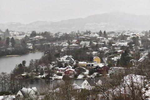 Snøen har skapt trøbbel i trafikken for mange torsdag.