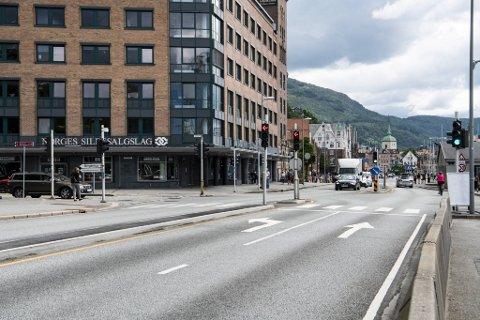 Fra Sandbrogaten til venstre skal bybanen gjennom Sandviken i tunnel. Det er ikke uproblematisk.