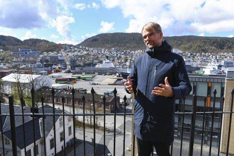 Roger Valhammer og byrådet planlegger i disse dager en storstilt utvikling av Dokken. Tomtene er attraktive og potensielt dyre, men byrådslederen lover at vanlige folk skal få råd til å kjøpe boliger der.