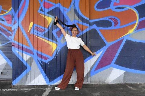 Musikk har blitt Myrna Braza sin største lidenskap og røde tråd i livet. Nå jobber hun frem unge talent.