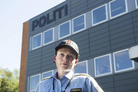 Stasjonssjef Monica Mørk har ansvar for det forebyggende arbeid som gjøres opp mot russen i Bergen, Askøy og Øygarden.