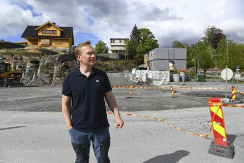 Geir Mujic Elgsaas bor like i området og leder den lokale velforeningen.