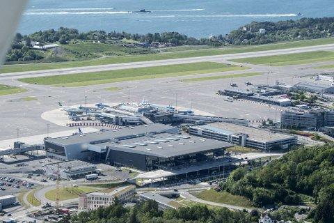 Nok en gang har noen fløyet en drone inn i flyforbudssonen ved Flesland flyplass. (Arkivfoto)