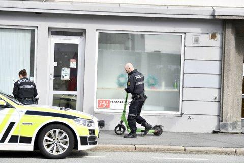 Politiet tok torsdag ettermiddag med seg et løperhjul fra Sandviksveien hvor en kvinne ble påkjørt like før klokken 1600.