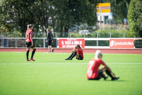 Arna-Bjørnar, som her depper etter et tap for Rosenborg, depper kanskje etter tap for Brann i fremtiden. De fikk ikke komme inn i varmen på Stadion. Det lever de tilsynelatende godt med.