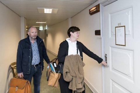 Tor Johannessen kunne i dag  vært en rik mann med en aksjegevinst på 225 millioner kroner hvis han hadde fått beholde sin aksjepost. Her sammen med sin advokat Mette Yvonne Larsen i retten i  juni.