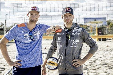Gamle helter mener Anders Mol (t.v.) og Christian Sørum fortsatt er favoritter i sanden i Tokyo-OL, tross noen tap i det siste.