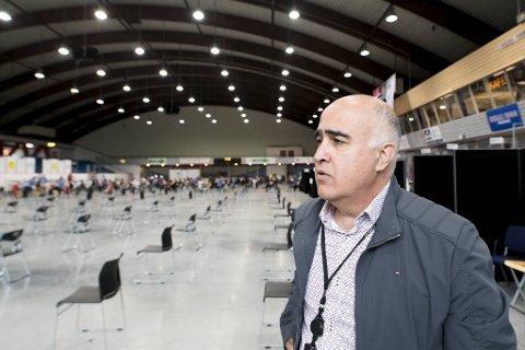 Driftssjef for vaksineringsstasjonene, Hossein Tehrani, forteller at det kommer rekordmange 21.000 doser i neste uke.