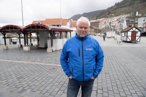 Talsperson for torghandlerne, Åge Sørensen, gleder seg til turistene ankommer Bergen og Fisketorget igjen: – Forhåpentligvis vil det være normale tider neste år, sier han.