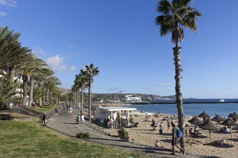 Mange nordmenn drømmer om steder som strandpromenaden i Los Cristianos på Tenerife, skal vi tro reiseoperatørene.