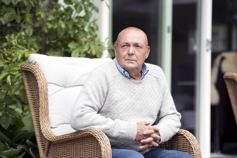 Nederlandske Robert Bernard Le Noble (59) bor på Askøy. Han mener karantenehotellene ikke har god nok kontroll.