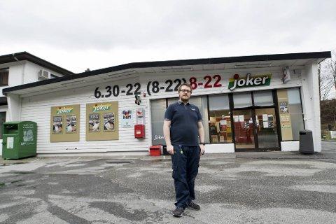 Eivind Trengereid har vært butikksjef på Joker i Ervik i to og et halvt år. Butikkens betydning for lokalsamfunnet fikk mye oppmerksomhet før bybanetraséen ble vedtatt.
