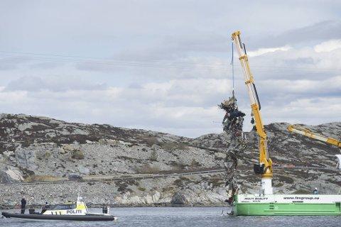 Alle som var om bord i helikopteret mistet livet da det styret i Øygarden.