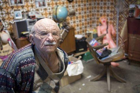 Den fiktive karakteren Dangfart Tønnesen har i flere år tatt internett med storm. Nå tar også kunstkonkurransen hans helt av.