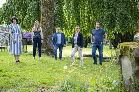 Katrine Nødtvedt, Julie Andersland, Geir Steinar Dale, Inghild Hareide Hansen og Håkon Pettersen ønsker ikke gravplass i Tennebekk.